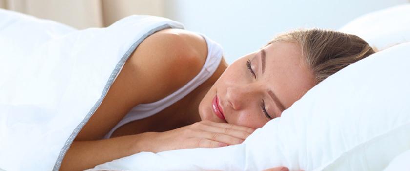 Nachtlinsen verbessern im Schlaf die Sehschärfe