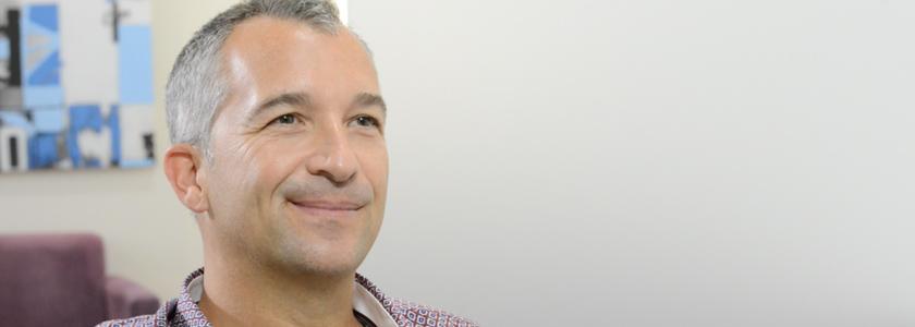 10 Jahre brillenfrei: Jubiläumspatient berichtet über seine LASIK-Erfahrung