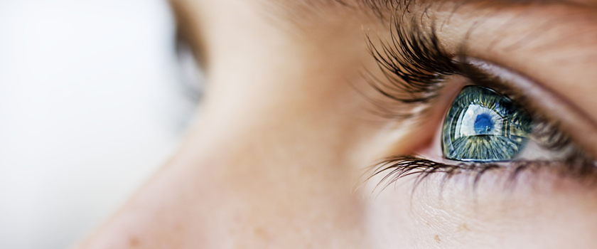 Nachtlinsen verbessern im Schlaf die Sehschärfe – wie gut sind Speziallinsen?