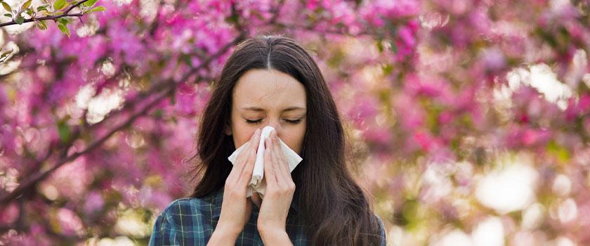 Geschwollene Augen: Symptom einer Allergie