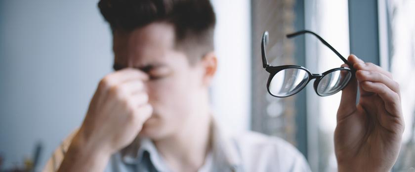 Kopfschmerzen durch Sehfehler
